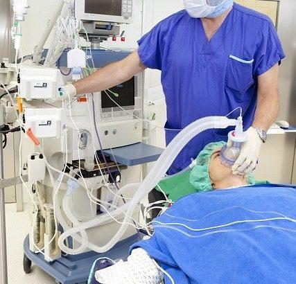 集中治療室(ICU)で薬剤師は何をしている?【救急認定薬剤師が解説】